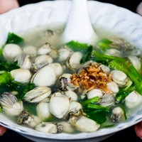 รีวิว เซี่ยงกี่ข้าวต้มปลา ร้านข้าวต้มปลาเตาถ่านในตำนานย่านเยาวราช สูตรลับส่งต่อรุ่นสู่รุ่นมากว่า 93 ปี!
