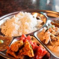 [รีวิว] ร้านปลาทองหมูกระทะ ข้าวแกงบุฟเฟ่ต์มากกว่า 20 รายการ ในราคา 59 บาท รวมของหวาน ทานได้ไม่จำกัดเวลานั่งได้ยาวๆ จนร้านปิด @อนุสาวรีย์